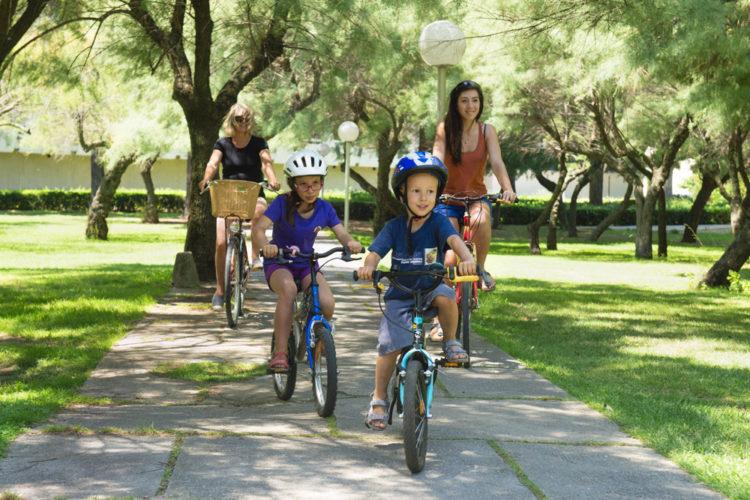 Casque obligatoire pour les cyclistes de moins de 12 ans